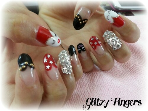 heart tips / french / mask / bling / studs / stars / black / red / lips / eyelashes / glam / nails / nailart  / manicure / gel / gelish / gellish / manicure /  crystals / bling