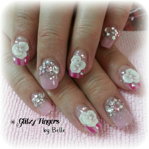 Glitzy Fingers : Daisies + Heart Tips + kath cadison + nail designs + sg nails + gelish + pretty nails + floral + glitter + cute + manicure + mint green + victorian + roses + liz lisa + stripes  + embossed + 3d + acrylic + gel + extensions