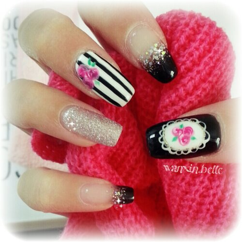 Glitzy Fingers : Daisies + Heart Tips + kath cadison + nail designs + sg nails + gelish + pretty nails + floral + glitter + cute + manicure + victorian + roses + liz lisa + stripes  + embossed + 3d + acrylic + gel + extensions