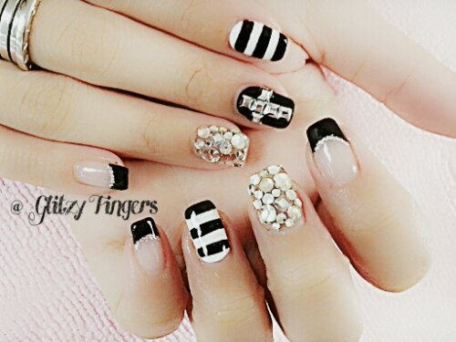 Glitzy Fingers : Chrome Hearts + Gold + Glitter + Nailart + Singapore Nails + Nail Designs + Sg nails + nail artist + gelish + gelnails + extensions + manicure + pretty nails + rock + embossed + 3d nailart + acrylic + marbling + crystals + studs + monochrome + ribbons + patterened + Cross + French + Stripes