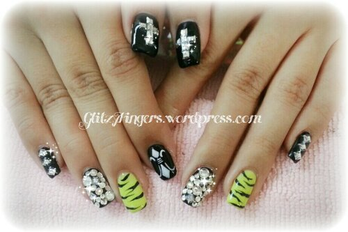 Glitzy Fingers : Chrome Hearts + Gold + Glitter + Nailart + Singapore Nails + Nail Designs + Sg nails + nail artist + gelish + gelnails + extensions + manicure + pretty nails + rock + embossed + 3d nailart + acrylic + marbling + crystals + studs + monochrome + ribbons + patterened + Neon + animal Print + zebra