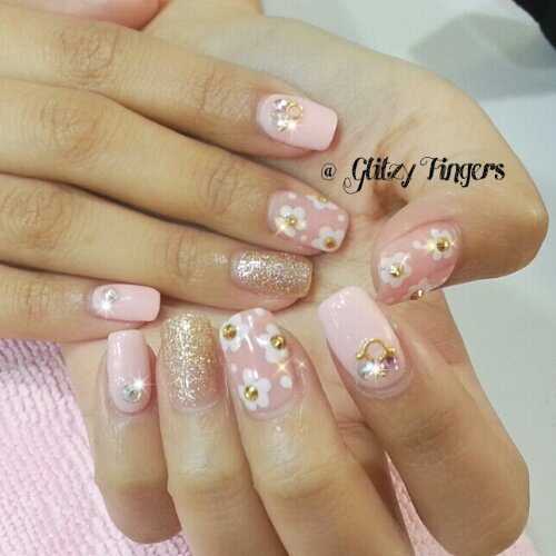 Manicure + Pink Nails + Nail Art + Nail Design + Lovely Nails + Cute Nails + Feminine Nails + Floral Nails + Candy Nails + Pastel Nails + Nail Patterns + Gelish Art + Gelish Design + Pink Studs + Pastel Pink Nails + Neutral Nails + Nail Gallery +