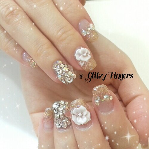 Nail designs glitzy fingers manicure gold nails floral nails bling nails sparkly nails gelish nail prinsesfo Image collections