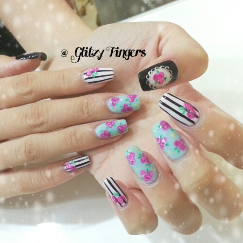 Manicure + Gelish Nails + Nail Art + Nail Design + Gelish Design + Floral Nails + Floral Design + Floral Pattern + Striped Nails + Black and White + Pretty Nails + Cute Nails + Chic Nails + Nail in trend + Nails Gallery + Gelish Gallery + Girly Nails + Feminine Nails