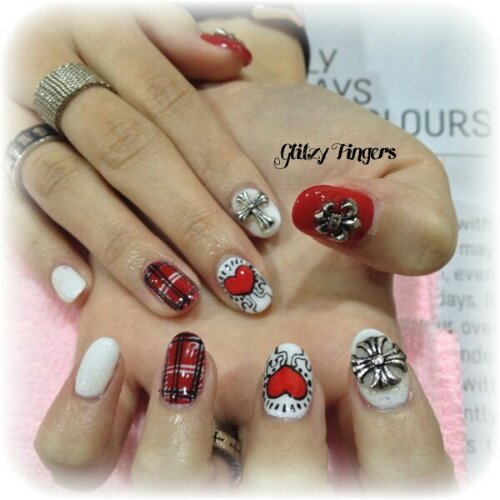 Manicure + Studded Nails + Nail Art + Nail of the day + Nail Design + Gel Art + Gel Patterns + Gel Design + Sg Nails + Pretty Nails + Lovely Nails + Hand Drawn Nails + Love Nails + Hand Painted + Rocker Nails + Cool Nails + Trendy Nails + Gel Designs
