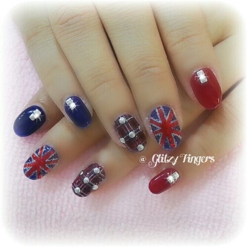 Manicure + Pretty Nails + Studded Nails + Uk Flag + United Kingdom Flag Nails + Nail Inspiration + Nail of the day + Nail gasm + Gel Nails + Gel Mani + Gel Pattern + Gel Design + Plaids Nails + Tartan Nails + Printed Nails + Cute Nails
