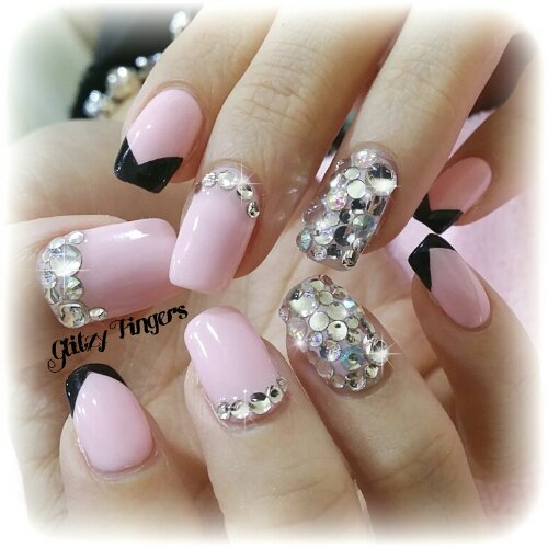Manicure + Bling Nails + Gel Nails + Gel Design + Gel Patterns + Lovely Nails + Cute nails + Studded Nails + Hand Painted + Hand Studded + Hand drawn + Nail look of the day + Nail of the day + Pink Nails + Sweet Nails + Chinese New Year Nails + Festive Nails + Nail inspiration