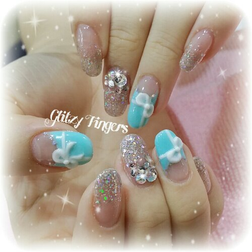 Manicure + Bling Nails + Tiffany&Co Inspired + Lovely Nails + Gold Nails + Hand Drawn + Hand Painted + Hand Studded + Cute Nails + Gel Art + Gel Mani + Gel Pattern + Gel Design + Festive Nails + Lovely gel + Gel of the day + Nail of the day + Nailgasm