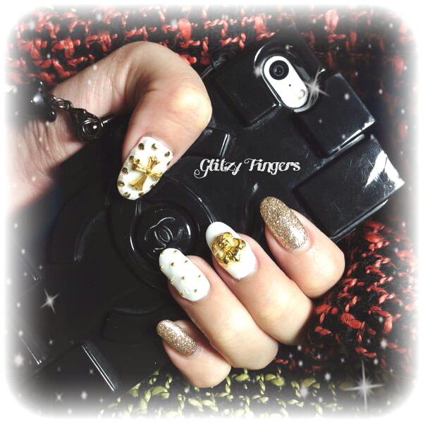 Nail Designs + Gel Nails + SgNails + Sgnailart + Nail Parlour + Nailgasm + Gold Nail Art + Acrylic Nails + GelNails + Nail Designs + Nailoftheday + GlitterNails + Sparkly Nails +  Nailporn