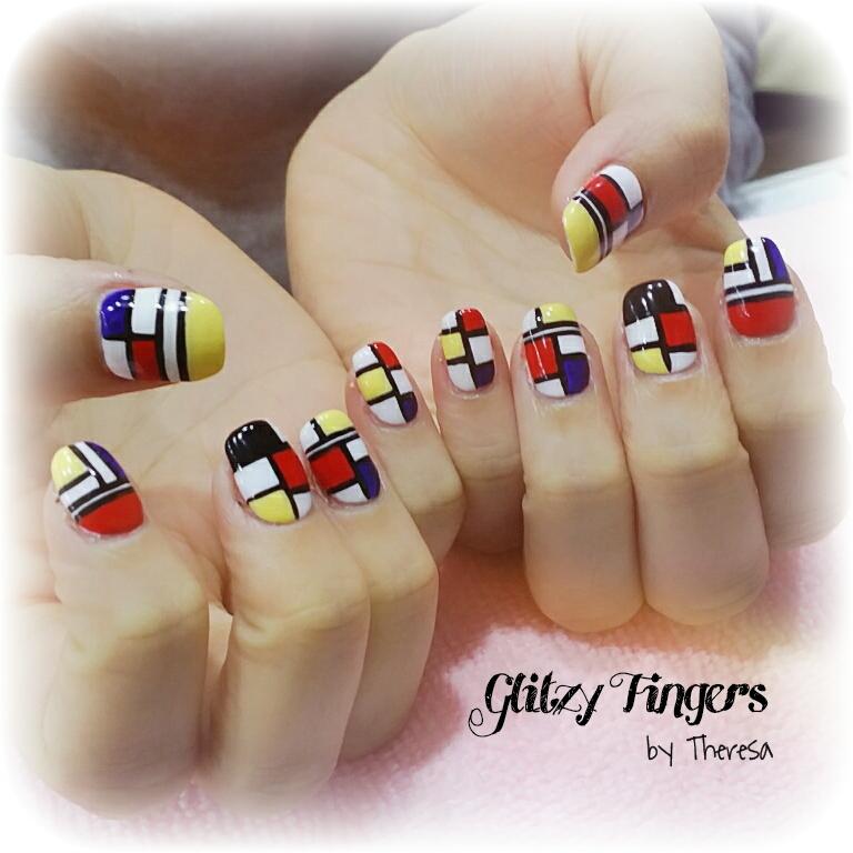 Mosaic Nails + Hand Drawn Nails + Hand Painted + Glitzy Fingers + Nail Art + Nail Design + Simple Nail Designs + Mosaic + Gel Mani + Gel Design + Gel Art + Manicure + Nail Pattern