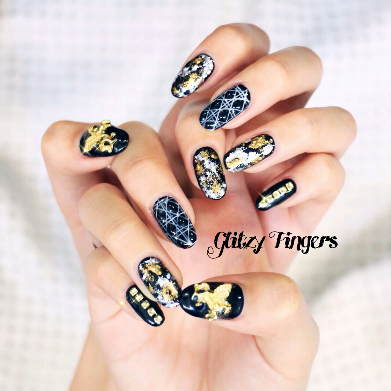 Cute Nails Glitzy Fingers